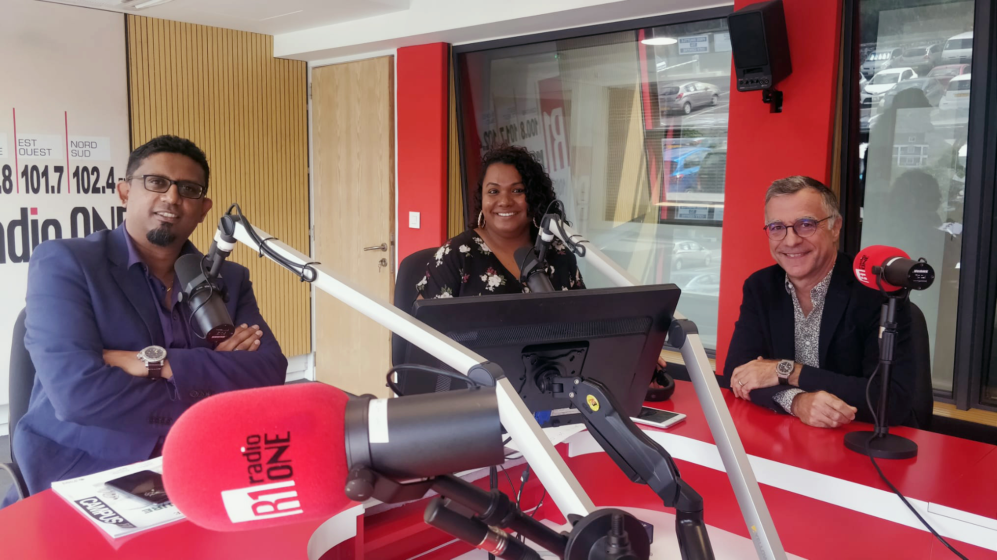 interview-radio-one-ile-maurice-dr-naiken-fondateur-humanitarian-for-empowerment-et-dr-bosson-chirurgie-ambulatoire